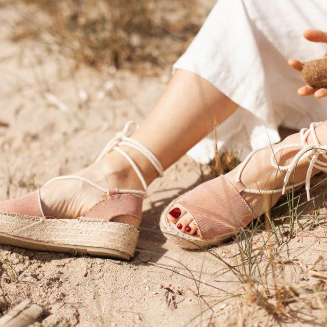 Sandalias cuña sostenibles